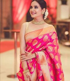 👌Designer Soft Silk Saree 👈Hurry Up! 🏷️Price : Only 📞Whatsapp & call 7042669129 Dress Indian Style, Indian Dresses, Indian Wedding Outfits, Indian Outfits, Indian Attire, Banarsi Saree, Silk Sarees, Silk Saree Blouse Designs, Lehenga Blouse