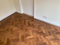 Karndean Designflooring UK Art Select Parquet Auburn Oak finished with skirting boards. Fitted this week by Andy & Steve 👍 #karndeanflooring #inspire #flooring #berkshire Karndean Design Flooring, Parquet Flooring, Stone Flooring, Natural Flooring, Skirting Boards, Flooring Options, Bespoke Design, Auburn, Inspire