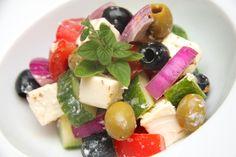 Görög saláta recept (Horiatiki) Eat Pray Love, Salad Dressing, Fruit Salad, Tuna, Vitamins, Goodies, Cheese, Fish, Meat