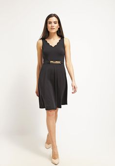 Das kleine Schwarze neu interpretiert. Anna Field Jerseykleid - black für 34,95 € (28.04.16) versandkostenfrei bei Zalando bestellen.