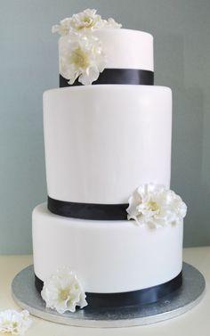 Painted By Cakes - Kakkuja tilauksesta: HÄÄKAKKU - WEDDING CAKE