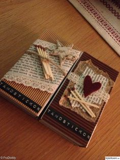 tändsticksask,diy,pyssel Kids Crafts, Diy And Crafts, Matchbox Crafts, 3d Cards, Clay Dolls, Present Gift, Small Boxes, Diy Christmas Gifts, String Art