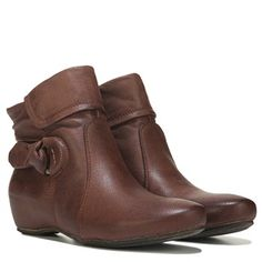 Bare Traps Womens Saydie Ankle Boot at Famous Footwear
