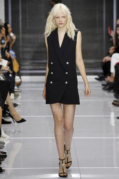 http://www.vogue.com/fashion-shows/spring-2016-ready-to-wear/versus-versace/slideshow/collection