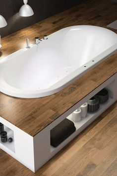 Balneo bathtub, corner bath: the best bath .- Baignoire balneo, baignoire d'angle : les meilleures baignoires Zen bath recessed in a dais for bathroom comfort - Attic Bathroom, Small Bathroom, Master Bathroom, Corner Bath, Shower Seat, Best Bath, Industrial House, Bathroom Interior Design, Bathtub