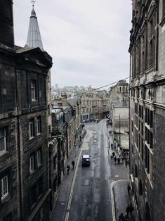 Must-see places in Scotland for you to check out. These 8 magical places in Scotland are definitely worth seeing on your next Scotland trip. Places In Scotland, Scotland Trip, Scotland Travel, Edinburgh Scotland, Scotland Tourist Attractions, Travel Necessities, Solo Travel, Travel Tips, Budget Travel