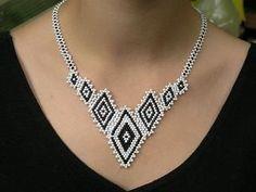 shape Bead Weaving Patterns | Diamond shape necklace. (pattern on website)