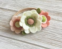spring daisy headband, pink and cream headband, petite felt flower headband, 1st birthday hair accessory, mini flower baby headband
