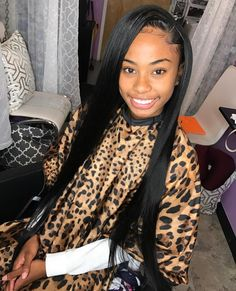 the straight hair is classic ,always show us elegant and pure. Straight hair from Landot Hair is very hot sale with a competitive price.