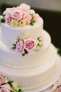 #Cake | Elegant Garden Party Wedding | Redfield Photography | See the wedding on SMP: http://www.StyleMePretty.com/mid-atlantic-weddings/2014/02/04/garden-wedding-at-the-liriodendron-mansion/