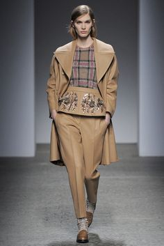 No. 21 Fall 2013 Ready-to-Wear Fashion Show - Irina Nikolaeva