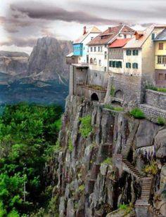 Ronda, Espanha. Uma cidade à beira do abismo.
