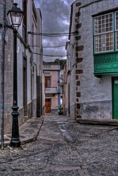 OLD STREET by Miguel Diaz Ojeda on 500px