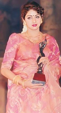 Old Bollywood Movies, Hema Malini, Actor Photo, Cute Girl Photo, Most Beautiful Indian Actress, Party Wear Sarees, Bollywood Celebrities, Indian Actresses, Girl Photos