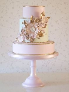 wedding cake ideas; via Rachelle's Beautiful Bespoke Cakes