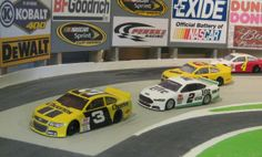 First image of Magracing's new Nascar Oval track and cars. Chevy leads Ford out of the 'Martinsville' style banked turn. Up to 15 cars can be raced together.