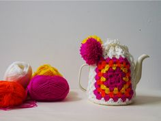 today in ACE/THINGS :: Crochet The World's Easiest Tea Cosy