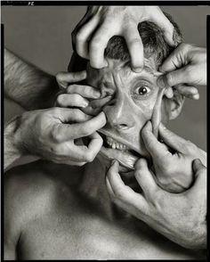 Face mesh Richard Avedon: Maurizio Cattelan