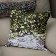 Discover «Neve em Londres - 8», Exclusive Edition Throw Pillow by Ana Santos - From 27€ - Curioos