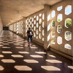 Concrete screen Calstate Fullerton - photo by Darren Bradley