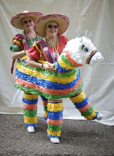 TwinsDays Festival in Twinsburg, Ohio. This photo is from 2010 when we made our pinata costume from plastic table covers strips and chicken wire! took us 3 months! Mexican Night, Mexican Party, T Shirt Costumes, Cool Costumes, Costume Ideas, Cactus Shirt, Cactus Cactus, Cactus Costume, Halloween Party