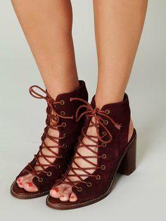 Free Shipping Women Vintage Gladiator Sandals Burgundy Leather Lace Up Ankle Strap High Heel Sandals Chunky Heel Designer Sandal $58.99