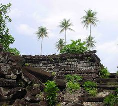Nan Madol: The only ancient city ever built upon a coral reef, Nan Madol is a marvel of ancient engineering, no one can figure out how it was conceived and built starting in the 8th or 9th century CE. Nan Madol is located off the island of Pohnpei in the western Pacific Ocean. Consists of nearly 100 small artificial islands bordered by tidal canals.