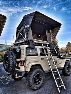 Jeep Roof Top Tent Whether it's a short or long adventure. Freespirit's line up of Jeep roof top tents keeps you high and dry for any camping or hunting trips. We pride ourselves on the quality and te feel free to go camping Accessoires Jeep, Accessoires De Jeep Wrangler, Jeep Wrangler Accessories, Jeep Accessories, Camping Accessories, Jeep Jk, Jeep Truck, Jeep Camping, Camping Info