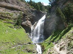 Pirineos; Valle de Benasque ,Cascada de Ardonés. Spain