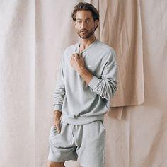 """MALA - THE CONCEPT STORE auf Instagram: """"#WFH Sweater oder Rollkragen? Den Sweater für nach Laptop City und den Rolli für den Spaziergang 😅"""" Jogger, Unisex, Jeans, Sweatshirts, Portugal, Material, Instagram, Products, Fashion"""