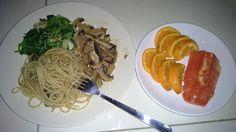 Menu sahur hari ke 4 spagheti, tumis jamur saus tiram, dan tumis bayam