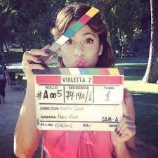 Pessoas que dizem que a Violetta não presta, fica a dica:vejam primeiro a série e depois comentem.Não vão só pelas aparencias pois vale a pena ver. Tini és linda