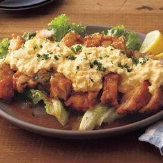「レタスクラブニュース」に掲載されているレシピ数は、6月9日現在24,194件ありますが、その中で1位をキープし続けているレシピが「フライパンチキン南蛮」です。... Home Recipes, Asian Recipes, Cooking Recipes, Ethnic Recipes, College Meals, Cafe Menu, Daily Meals, Japanese Food, Baked Potato