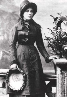 Lizzie Cannons in her Salvation Army uniform
