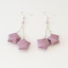 Boucles d'oreilles étoiles sur chaînettes en papier origami de la boutique LatelierdIsabo sur Etsy
