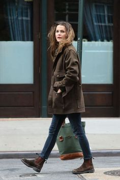 Keri Russell Autumn Style – Out in NYC - Wintermode Woche Street Style 2017, Autumn Street Style, Street Styles, Autumn Style 2017, Winter Style, Fashion Casual, Look Fashion, Fashion Outfits, Womens Fashion