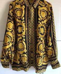 New Fashion Clothes, Versace Shirts, Stylish Mens Outfits, Gold Print, Gianni Versace, Blouse Styles, Mythology Tattoos, Men Sweater, Couture