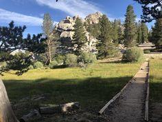Leselaunen / Wochenrückblick   #Leselaunen #PCTHike #Wochenrückblick #Sierras #USA #Reisen #Kalifornien #Sierranevada #Berge #Natur Sierra Nevada, Pacific Crest Trail, Sidewalk, Usa, California, Mountains, Nature, Viajes, Side Walkway