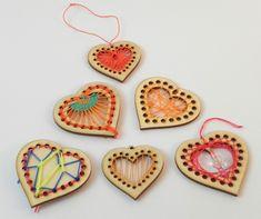 Dřevovýšivka – srdíčka | DomDom - dřevěné výrobky pro kreativní činnost, didaktické pomůcky, suvenýry Xmas, Embroidery, Wood, Stud Earrings, Necklaces, Needlepoint, Manualidades, Accessories, Woodwind Instrument