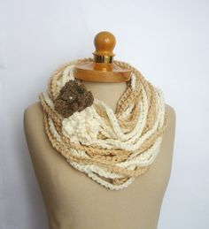 Chunky Infinity Scarf Crochet Necklace 2 Flowers by IskaCreations Chunky Infinity Scarf Crochet, Infinity Scarfs, Crochet Scarves, Crochet Necklace, Crochet Patterns, Diy Crafts, Trending Outfits, My Style, Unique Jewelry