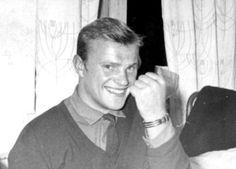 Дольф Лундгрен изображает Геннадия Зюганова во время посещения Москвы. Или наоборот...