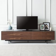 die vielfalt der tv m bel sideboard postmoderne von ligne roset pinterest h lsta. Black Bedroom Furniture Sets. Home Design Ideas