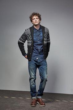 Strickjacke mit Jeanshemd kombiniert für Ihn