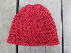 Pictures from Weekend Projects Loom Hats, Loom Knit Hat, Knitted Hats, Crochet Quilt, Knit Crochet, Crochet Hats, Loom Knitting Patterns, Knitting Blogs, Loom Craft