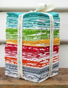 I'm still waiting to exhale after seeing this on Red Pepper Quilt's flickr.  For the sake of my heath - I MUST get myself a bundle of Half Moon!