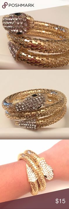 🐍snake🐍 bangle bracelet New in package. Gold tone with rhinestones. archstarshop Jewelry Bracelets