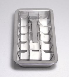 metal ice cube tray