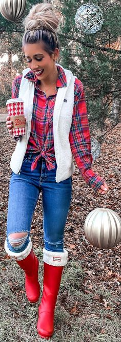 The Fashion Girl's Guide to Making True Winter Wear Look Chic Pretty Outfits, Fall Outfits, Casual Outfits, Black Long Sleeve Shirt, Long Sleeve Shirts, Perfect Fall Outfit, Girl Fashion, Fashion Outfits, Red And Black Plaid