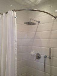 Barre rideau de douche circulaire galbobain et baignoire d 39 angle alterna marea de sanitas - Rideau giet douche italienne ...