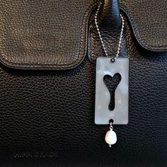 refleks Dog Tag Necklace, Safety, Wallet, Jewelry, Kunst, Security Guard, Jewlery, Jewerly, Schmuck